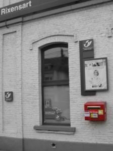 Rixensart gare Point Poste + boîte aux lettres © Eric de Séjournet.jpg